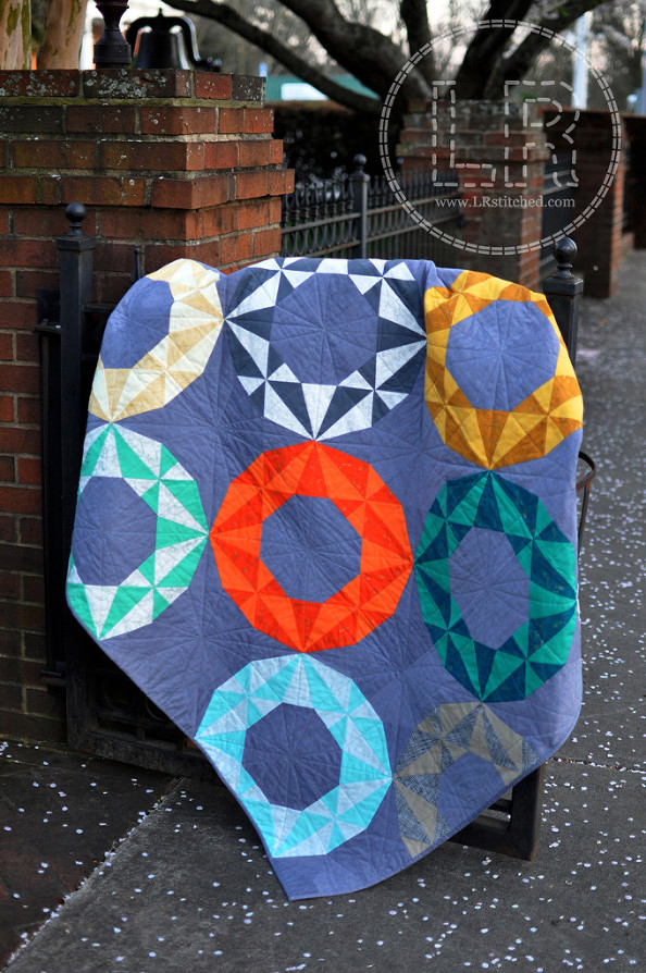 Clementine Quilt Pattern by Lindsey Rhodes | LRstitched.com